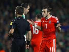 Bale no descansa con Gales. Gales