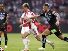 City join De Jong race as they line up £70m move