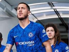 Mikel é um grande fã do talento do belga. Twitter/ChelseaFC