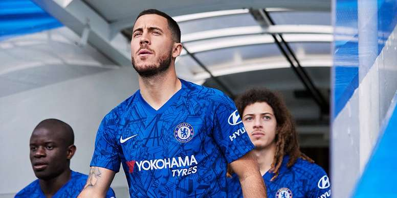 buy popular 228ef d55e7 A message to Madrid? Chelsea use Hazard to reveal new kit ...