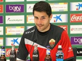 El jugador del Elche Álex Felip, durante una rueda de prensa. ElcheCFOficial
