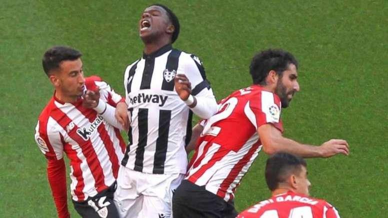 El Athletic venció al Levante en San Mamés. EFE