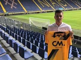 El defensa de 23 años abandona el PSV. NACBREDA