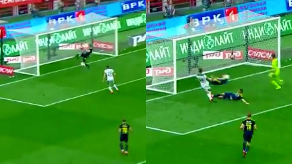 Un defensor ruso realizó dos impresionantes tapadas en el minuto 90