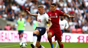 Alderweireld jugó sin escudo. Twitter/TottenhamHotspur
