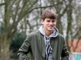 El joven lateral se marcha a la segunda categoría del fútbol alemán. WB