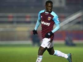 Quina podría abandonar el filial del West Ham este invierno. AFP