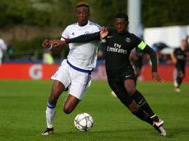 El Mönchengladbach busca un talento joven para reforzar la defensa. PSG