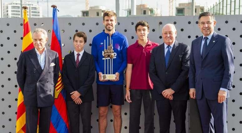 Piqué ha recibido dos premios en dos días. Twitter/FCBarcelona