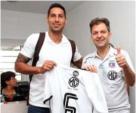 Insaurralde llega con la carta de libertad bajo el brazo a su nuevo club. Twitter/ColoColo