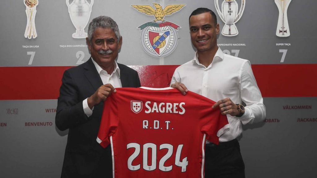 Raúl de Tomás, traspasado al Benfica — Oficial