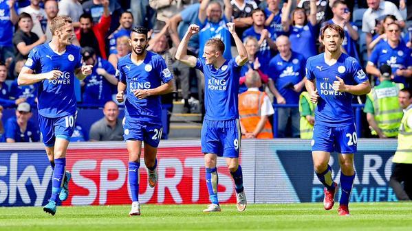 El Leicester celebra uno de los tantos en su goleada ante el Sunderland. Twitter