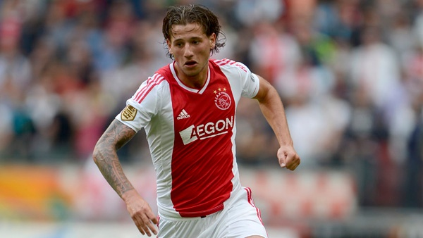 El Leicester está interesado en Mitchell Dijks, que milita actualmente en el Ajax. AJAX