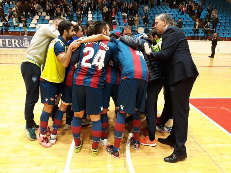 El Levante FS busca rematar la machada en la pista del Barça. Twitter/LUDfutbolsala