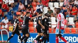 El Málaga volvió en autobús tras el triunfo en Lugo. Twitter/LaLiga
