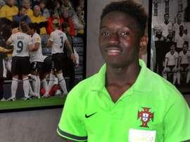 El Manchester United está detrás del centrocampista portugués Domingos Quina, propiedad del Chelsea. Twitter
