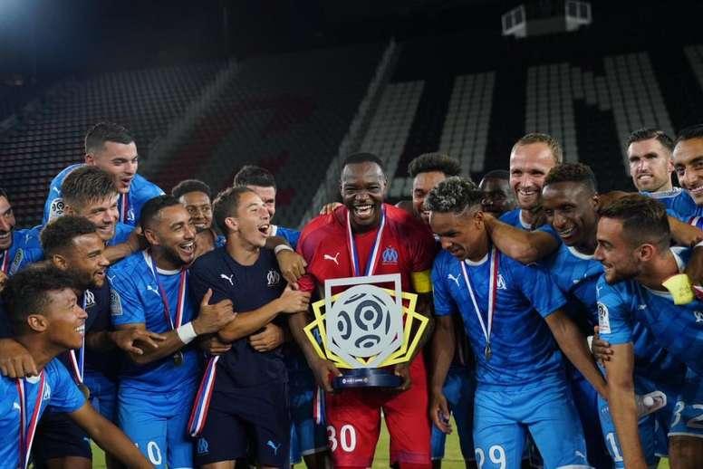 Marseille remporte son premier trophée. Goal