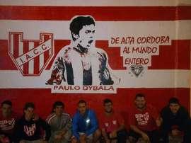 Dybala es muy admirado en Instituto de Córdoba. Twitter/VidaAlBarrio