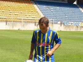 Santamaría vio dos cartulinas amarillas en tan sólo tres minutos. CádizCF
