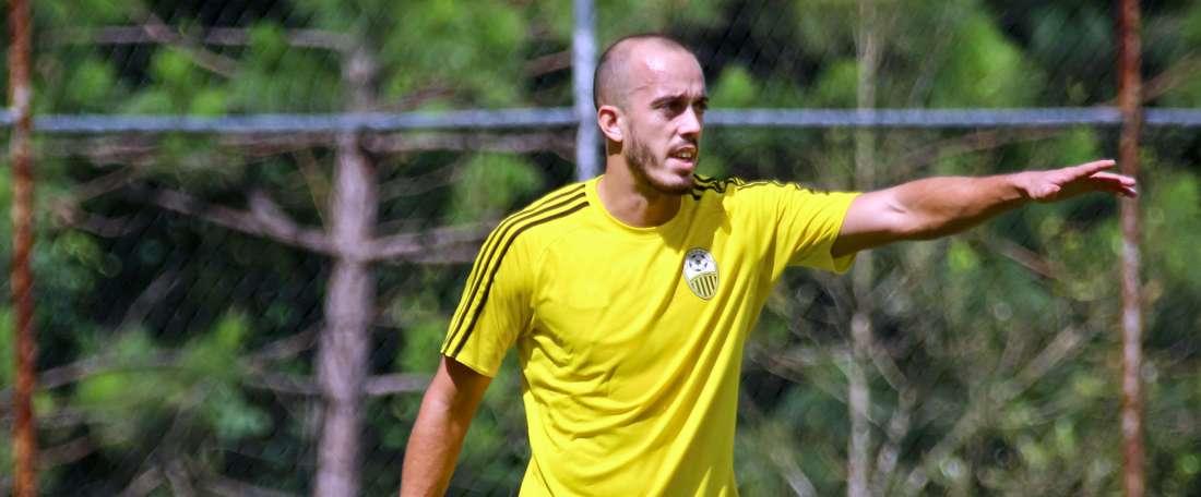 Jhonatan Souza ya se ejercitó con sus nuevos compañeros. DeportivoTachira