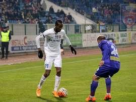 El nuevo futbolista del Yokohama Marinos, Quenten Martinus, en un encuentro con su anterior equipo, el Botosani rumano. FCBotosani