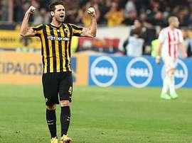 El nuevo jugador del Kairat Almaty César Arzo, en un partido con el AEK de Atenas. FCKairat