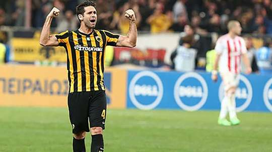 El AEK de Atenas venció por 2-1 al Olympiakos. FCKairat