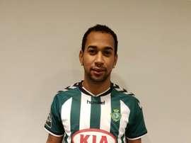 El nuevo jugador del Vitória de Setúbal Thiago Santos Santana, en su presentación oficial. VFC