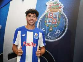 Porto anuncia promessa de 18 anos para a defesa. Twitter/FCPorto
