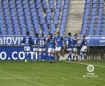 Victoria del Oviedo frente al Sabadell. LaLiga