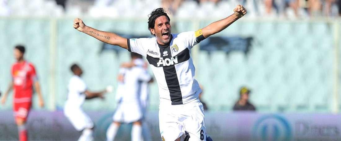 El Parma celebra el ascenso a Serie B. ESPN