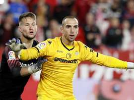 Pau Lopez could end up at Barcelona. EFE