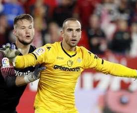 Pau Lopez could end up at Barcelona. EFE