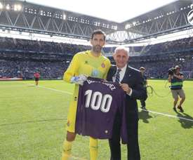 Diego Lopez made his 100th Espanyol appearance at Celta on Thursday. Twitter/RCDEspanyol