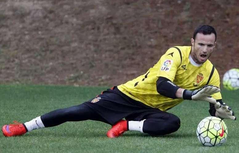 Manu Herrera renueva por una temporada más. Twitter/RealZaragoza