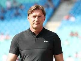 Treinador do Leipzig apresenta a demissão. DieRotemBullen