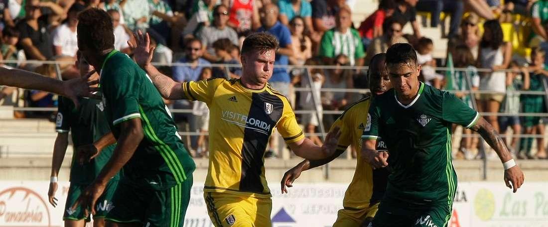 El Real Betis se ha impuesto por 2-1 al Fulham FC gracias al gol de Joaquín. RealBetis