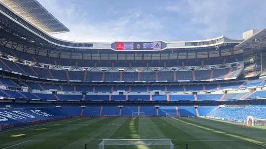O Bernabéu com metade da sua capacidade. Twitter/PaulBurgess