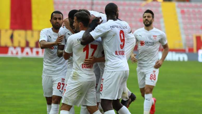 El Sivasspor ganó por 1-3 a domicilio. Twitter/SivassporKulubu