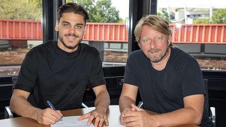 Mavropanos has signed on loan for Stuttgart. Twitter/VfB