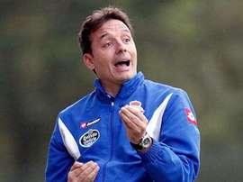 El técnico español Tito Ramallo finaliza anticipadamente su etapa en Armenia. EFE