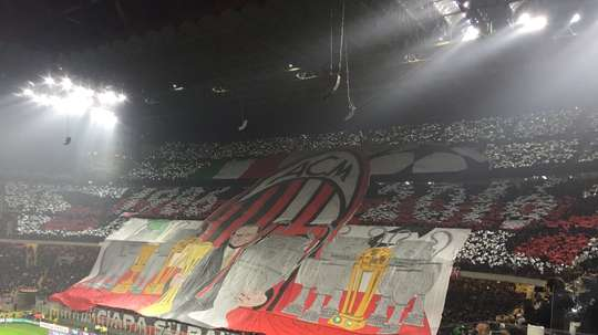 Milan deve mais de 155 milhões de euros. Twitter/alessiascurati