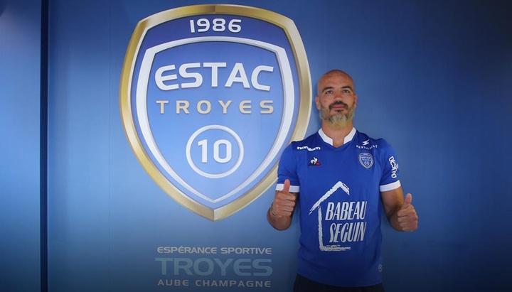 Troyes incorpora Jessy Moulin.ESTAC