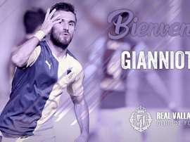 El Valladolid anunció el fichaje de Gianniotas. RealValladolid