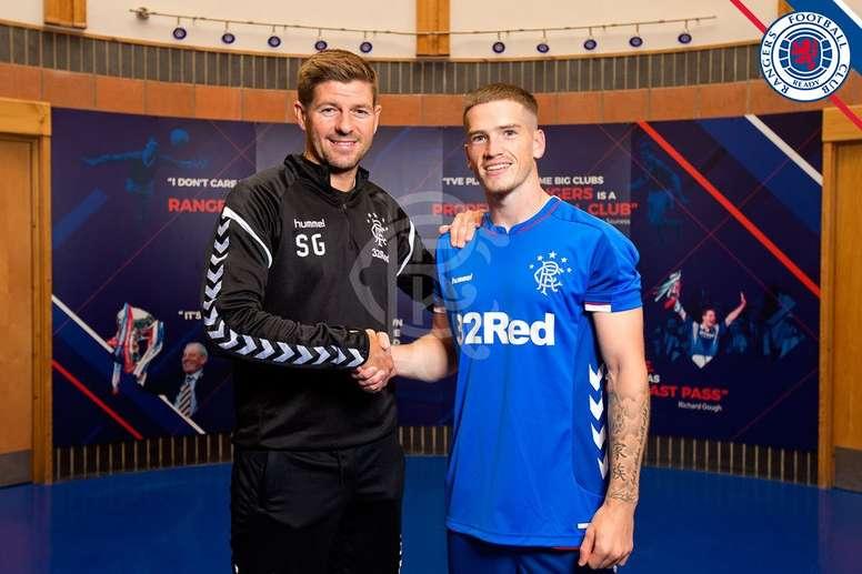 Gerrard y el propio jugador luchan por su regreso. RangersFC
