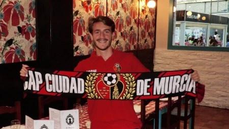 Elías Díaz firma con el Ciudad de Murcia. CAPCiudaddeMurcia