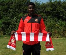 Elijah Adebayo se marcha cedido al Swindon Town. Twitter/Official_STFC