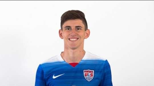 USA international Hyndman moves to the Scottish Premier League. USMNT