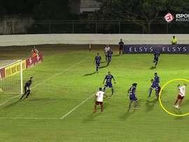 Emerson marcó un golazo de tacón ante el Confiança. Twitter