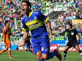 Emiliano Romero, nuevo futbolista de Oriente Petrolero, celebrando un tanto con el Everton chileno. Twitter